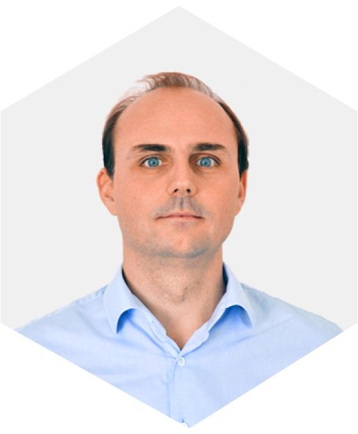 Geoffreoy Lacour est le fondateur de Beesbusy, un outil collaboratif de gestion de projet qui répond aux besoins des particuliers et des entreprises.